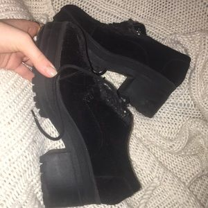 Urban outfitters black boot with small heel